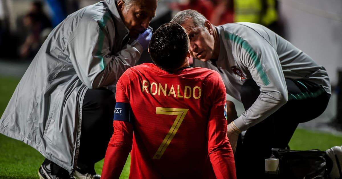 Ronaldo đáp chuyên cơ xuống Barcelona chữa trị chấn thương
