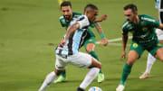 Douglas Costa, mais uma vez, será titular no Tricolor