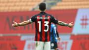 Alessio Romagnoli mit hilfloser Geste im Derby