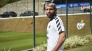 Sergio Aguero volvió a hacer un video en vivo y su hijo apareció con la camiseta de Boca.