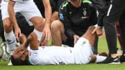 Alassane Pléa s'est blessé lors d'un match amical contre Metz
