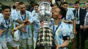 Lionel Messi soulevant sa première Copa America.