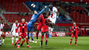 Contre Dijon, Pereira a marqué mais c'est aussi blessé et a du être remplacé par le jeune Edouard Michut.