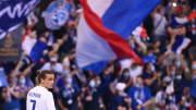 Plusieurs restrictions sont instaurées pour le match des Bleus ce mardi.