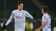Laut Sky bahnt sich ein Transfer von Florian Neuhaus (l.) zu Borussia Dortmund derzeit nicht an
