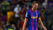 De Luuk de Jong no Barcelona a Ighalo no Manchester United: 7 jogadores que atuaram nos principais clubes da Europa e ninguém sabe o porquê.