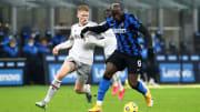Lukaku protegge palla nel match d'andata contro il Bologna