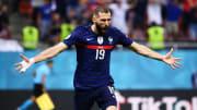 Le double buteur français Karim Benzema