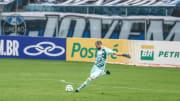 Goleiro não foi bem no Grêmio e teve contrato rescindido