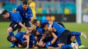 Italy celebrate Manuel Locatelli's second