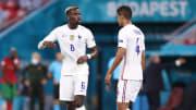 Pogba ganha a companhia de seu parceiro de seleção francesa