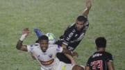 Fortaleza e Vasco se enfrentam pelo Campeonato Brasileiro.