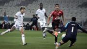Botafogo e Athletico-PR se enfrentam pela 28ª rodada do Campeonato Brasileiro.