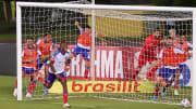 Rodallega, do Bahia, marcou quatro gols contra o Fortaleza