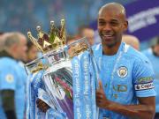 Fernandino foi campeão inglês pelo Manchester City