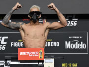 Charles Oliveira vs Michael Chandler UFC 262 lightweight title bout odds, prediction, fight info, stats, stream and betting insights.
