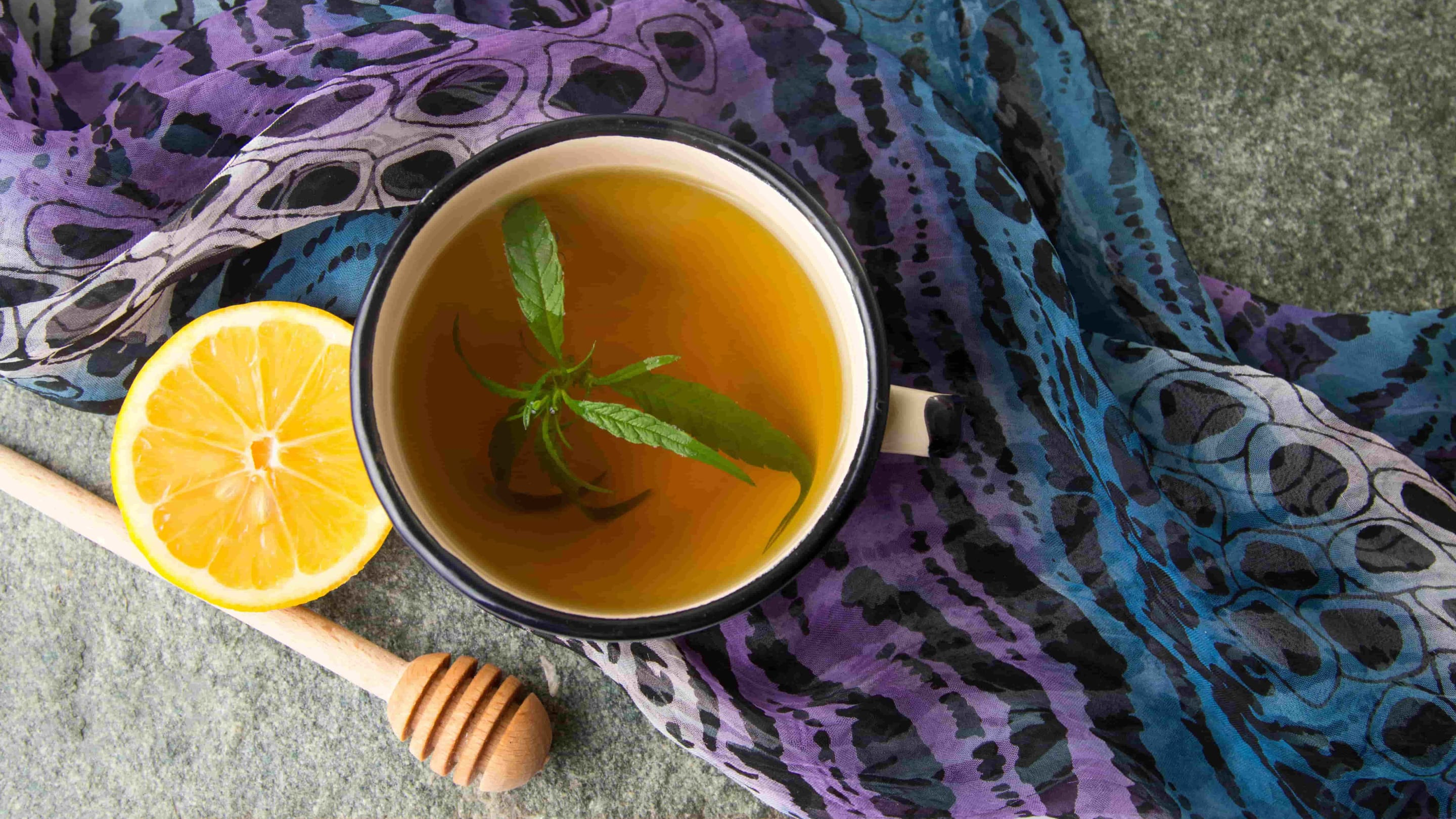 Potent Recipe: How to Make Weed Stem Tea in 5 Easy Steps