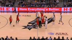 Los jugadores de Toronto y San Antonio recordaron a Kobe Bryant en el partido