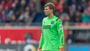Einen Tag nach dem Abgang von Alexander Schwolow, der für acht Millionen Euro zu Hertha BSC wechselt, hat der SC Freiburg einen neuen Keeper vorgestellt:...