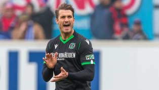 Die aktuelle Transferperiode des SV Werder Bremen verlief bislang ruhig. Lediglich Kevin Vogt stieß als Neuer hinzu - doch ein Stürmer soll noch kommen. Nun...