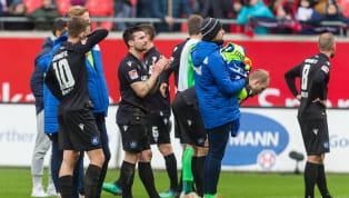 Borussia Mönchengladbachhat es vorgemacht, weitere Teams wollen nachziehen: Mit dem Verzicht auf Teile des Gehaltes wollen Spieler und Klub-Verantwortliche...