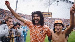 Ruud Gullit nasceu em Amsterdã, em 1962. É considerado um dos maiores ídolos da seleção holandesa e um dos maiores jogadores da história do futebol. Começou...