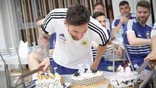 Por Davi Trintinaglia Essas estrelas do futebol mundial nasceram em países latino-americanos, mas começaram suas carreiras na primeira divisão dos campeonatos...
