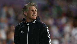 CR7 Für EA Sports hat Bastian Schweinsteiger sein FIFA Team of the Year gewählt. Die Bayern-Legende entschied sich für eine 3-4-3-Formation mit insgesamt...
