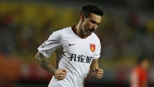 Ezequiel Lavezzi dice ufficialmente basta. L'attaccante argentino dell'Hebei China Fortune già alcuni giorni fa aveva lasciato intendere di voler appendere...