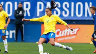 Após se despedir precocemente da disputa daCopa do Mundopor conta de uma lesão, a brasileiraAndressa Alves tem preenchido os noticiários do futebol...