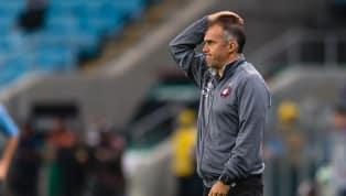 A dança das cadeiras dos técnicos no Brasil segue seu rumo. Nesta segunda-feira, foi a vez do Atlético-PR demitir Eduardo Baptista após apenas 13 jogos,...