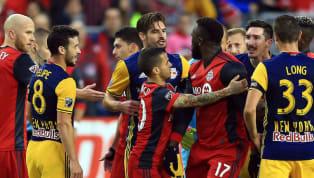 La MLS anunció nuevas sanciones el viernes contra el entrenador de los New York Red Bulls, Jesse Marsch y el centrocampista; Sacha Kljestan por protagonizar...
