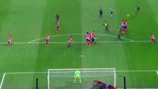 Ngay trong 10 phút đầu tiên thì Juventus đã có một tình huống nguy hiểm khi Cristiano Ronaldo có cú sút phạt từ khoảng cách hơn 20m khiến thủ thành Jan Oblak...