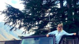 """Regalo di consolazione? Dopo essersi goduta qualche giorno di vacanza a Dubai, Wanda Nara ha """"ufficializzato"""" l'acquisto di una nuova auto tramite il proprio..."""