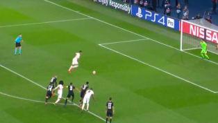 """Bi kịch đã xảy ra cho PSG khi mà Man United có bàn thắng ở """"Fergie Time"""" với pha phạt đền thành công của Marcus Rashford. Kimbempe để bóng chạm tay trong..."""