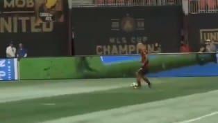 Josef Martínezno tardó mucho en darle una alegría a los fans del Atlanta United en esta temporada, al anotar su primer gol de la ronda regular con el...