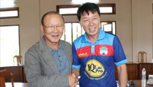 HLV Chung Hae-seong tiết lộ một trong những khó khăn khi làm việc tại Việt Nam đó là ý thức của các cầu thủ. Bạn thân của thầy Park tại Hàn Quốc từng gặp khó...