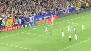 Jonarhan dos Santoshizo olvidar la ausencia deZlatan Ibrahimovica los fans del Galaxy, luego de anotar el primer gol del duelo ante MInnesota tras...