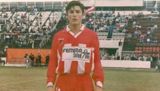 El goleador de la Juventus comenzó a jugar al fútbol en Instituto de Córdoba. llegó al club cuando tenía 10 años y debutó en Primera con 17, en un partido...