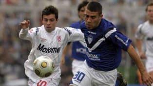 El defensor impresionó al fútbol argentino ya en sus primeros partidos con la camiseta de Vélez. Debutó en mayo de 2008 de la mano de Tocalli y un año más...
