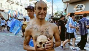 Fan cuồng bóng đá có trăm vạn hình thức ăn mừng chức vô địch, nhưng đào mộ người nhà như một fan ở Argentina mới đây thì chắc chắn là chưa từng có trong lịch...