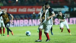 Cuando se trata de definir desde los 12 pasos, no suelen fallar... El más efectivo desde los 12 pasos en el fútbol argentino es el lateral de Gimnasia de La...