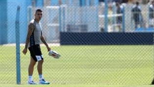 Ricardo Centurión volvió a protagonizar un lamentable episodio que poco tiene que ver con el fútbol. El jugador, marginado del plantel profesional tras su...
