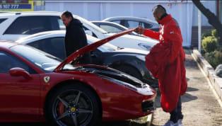 En medio de la Copa América de Chile 2015, la figura de la selección trasandina salió en su tarde libre y chocó su Ferrari contra unChevrolet Sony, que se...