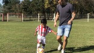 En las últimas horas se hizoviralla historia del chico Santiago, hincha de San Martín de Tucumán que fue humillado por su maestra de jardín debido a...