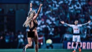 Hiệp 1 trận đấu giữa Tottenham và Liverpool gián đoạn khi một fan nữ đổ bộ xuống sân với vẻ ngoài vô cùng nóng bỏng. Trọng tài chính đã cắt còi dừng trận đấu...
