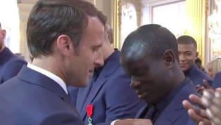Los jugadores y el personal del equipo francés recibieron la Legión de Honor este martes en los Campos Elíseosde manos del presidente Emmanuel Macron. Este...