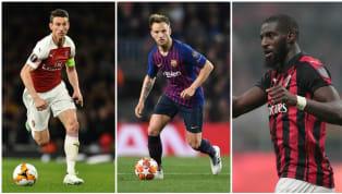 Alors que que la plupart des footballeurs sont en vacances, le marché des transferts a ouvert en Ligue 1. Officialisations, transferts quasiment actés ou...