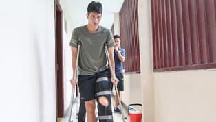 Đình Trọng sẽ phải sang Singapore để phẫu thuật chấn thương dây chằng và dự kiến, ca mổ đầu gối của hậu vệ 21 tuổi sẽ có chi phí khoảng 600 triệu đồng. Như...