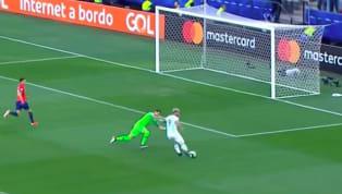 Sergio Aguero là người mở tỉ số cho Argentina trong trận đấu tranh hạng ba của Copa America với tuyển Chile, Lionel Messi kiến tạo với một pha đá phạt nhanh...